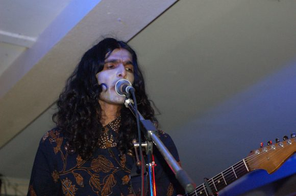 """mxdwn PREMIERE: Imaad Wasif Releases New Pink Floyd-esque Track """"God Is Not Mountain"""""""
