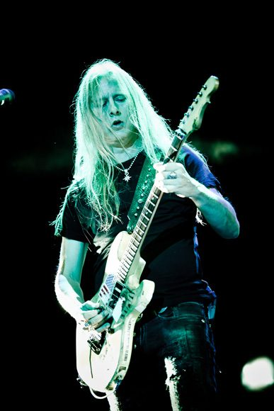 """LISTEN: Jerry Cantrell Releases New Song """"A Job to Do"""""""
