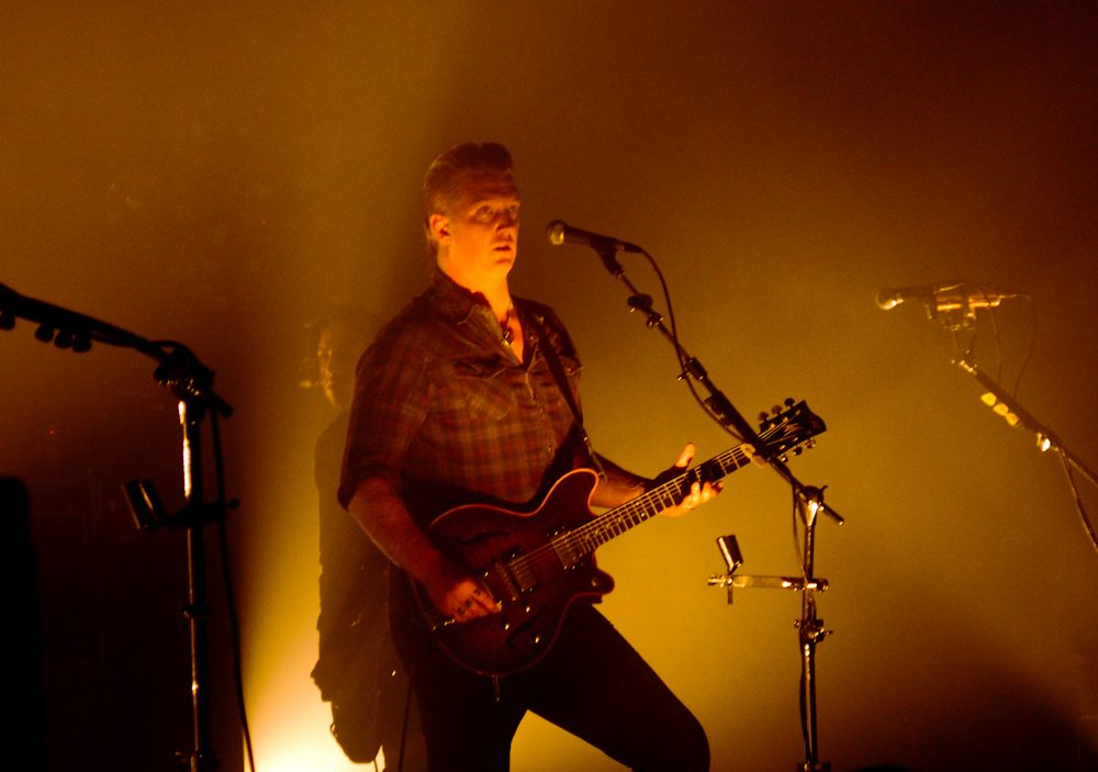 "Josh Homme Performs Queens of the Stone Age's ""Villains of Circumstance"" from his Bathtub"