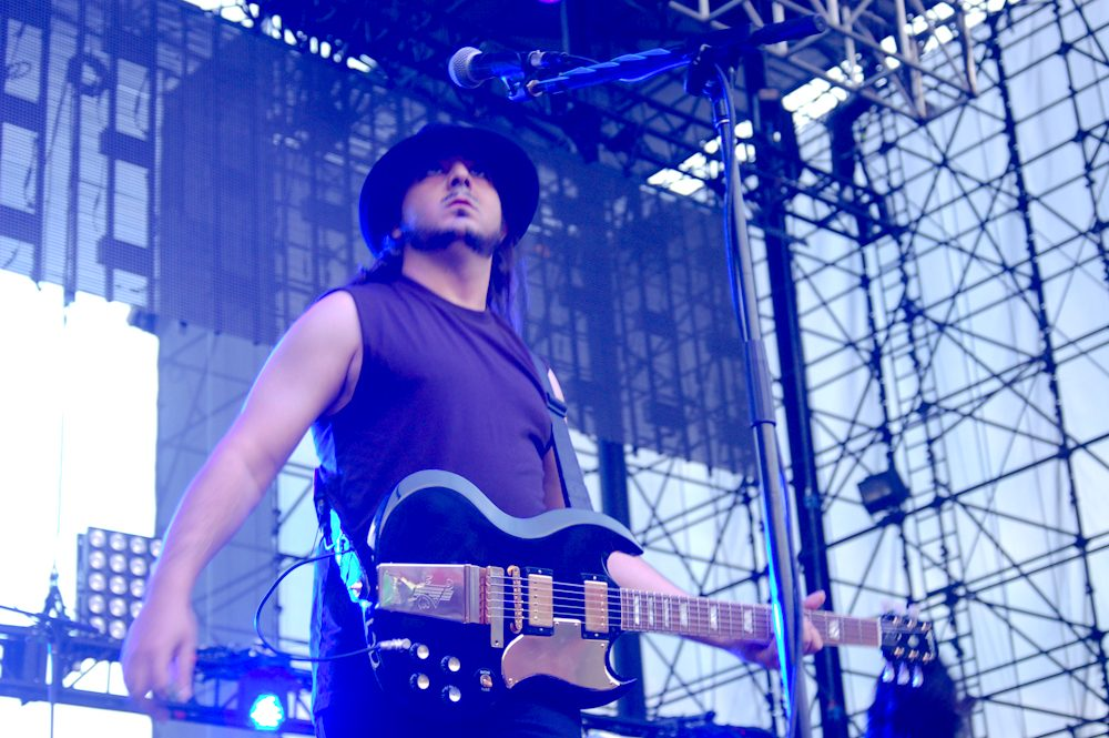Daron Malakian and Scars on Broadway Announce New Album Dictator for July 2018 Release