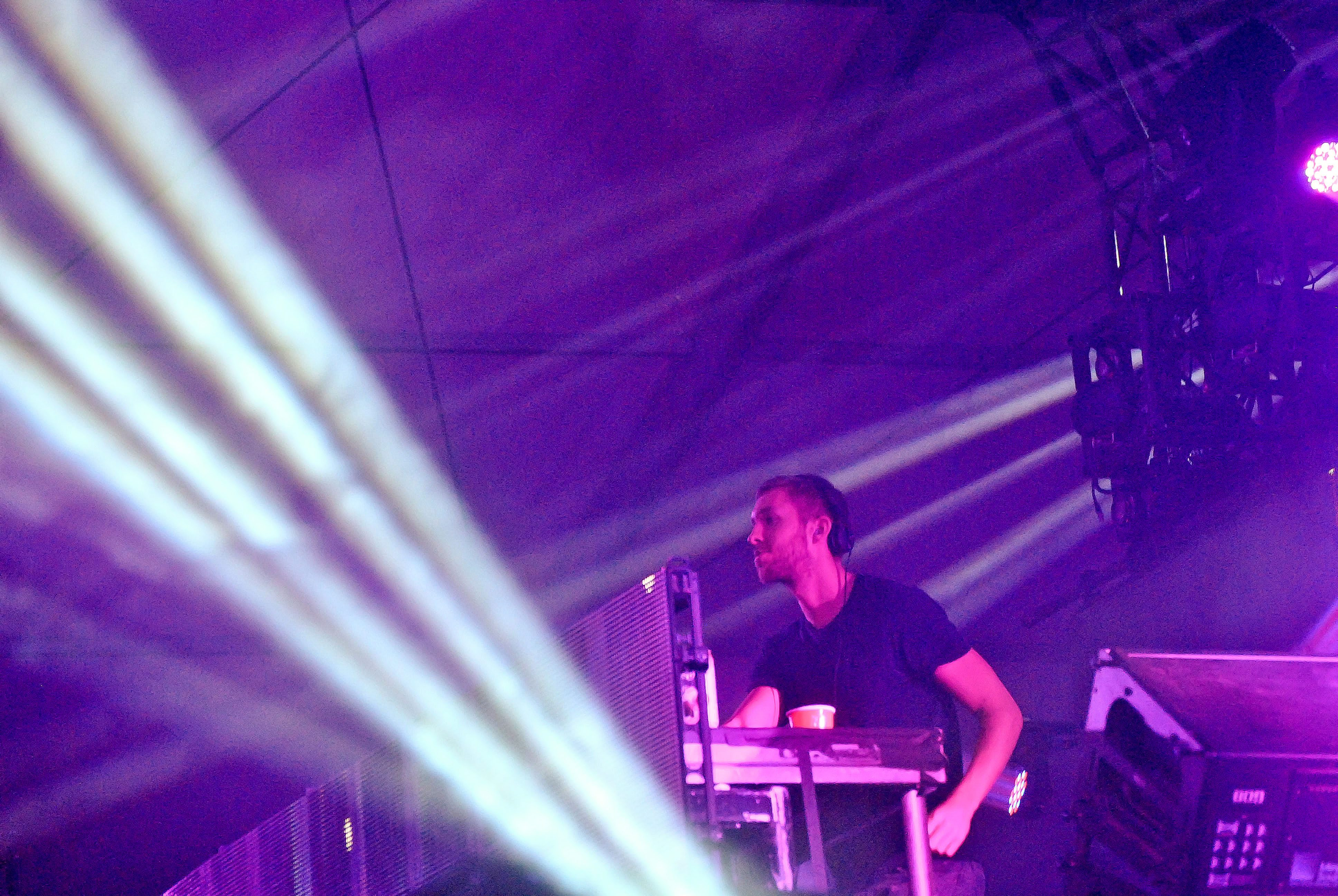 Calvin Harris Performs At Coachella 2016 With Rihanna, Big Sean And More
