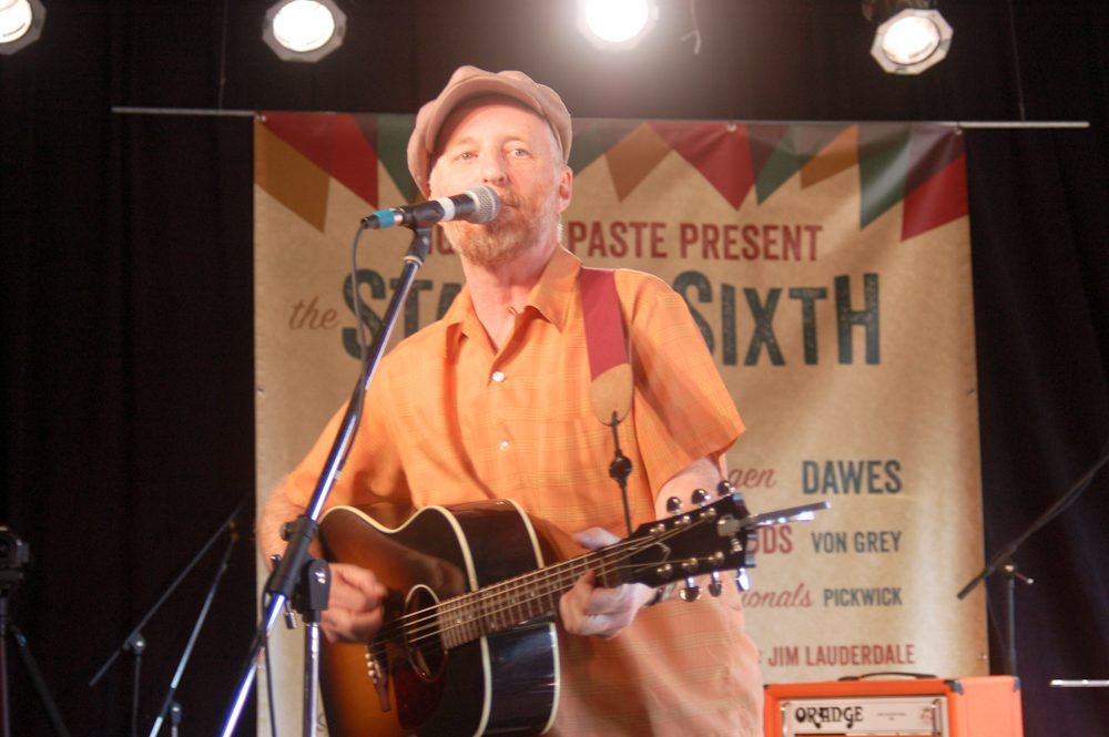 """Billy Bragg Shares Emotional New Single """"Pass It On"""""""