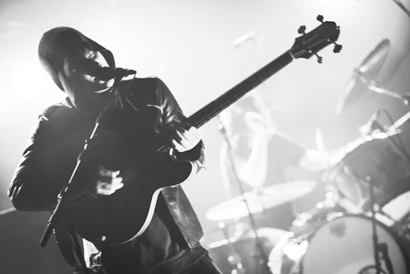 "Black Rebel Motorcycle Club Releases Slow-Burner of a New Song ""Haunt"""