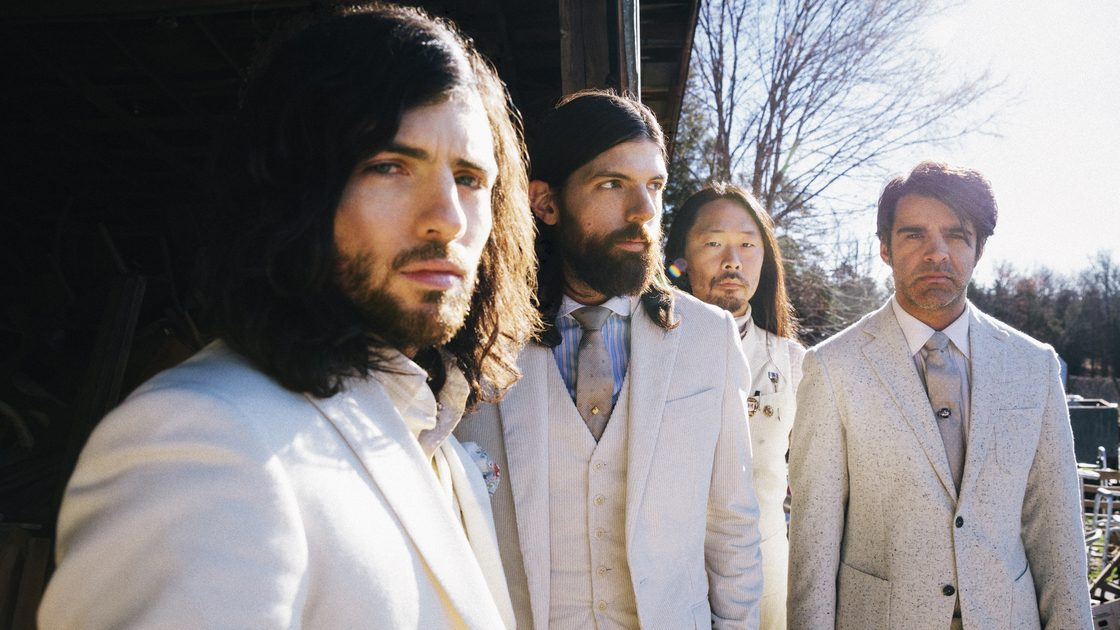 "WATCH: The Avett Brothers Cover ""Mama Tried"" And ""My Favorite Memory"" In Tribute To Merle Haggard"