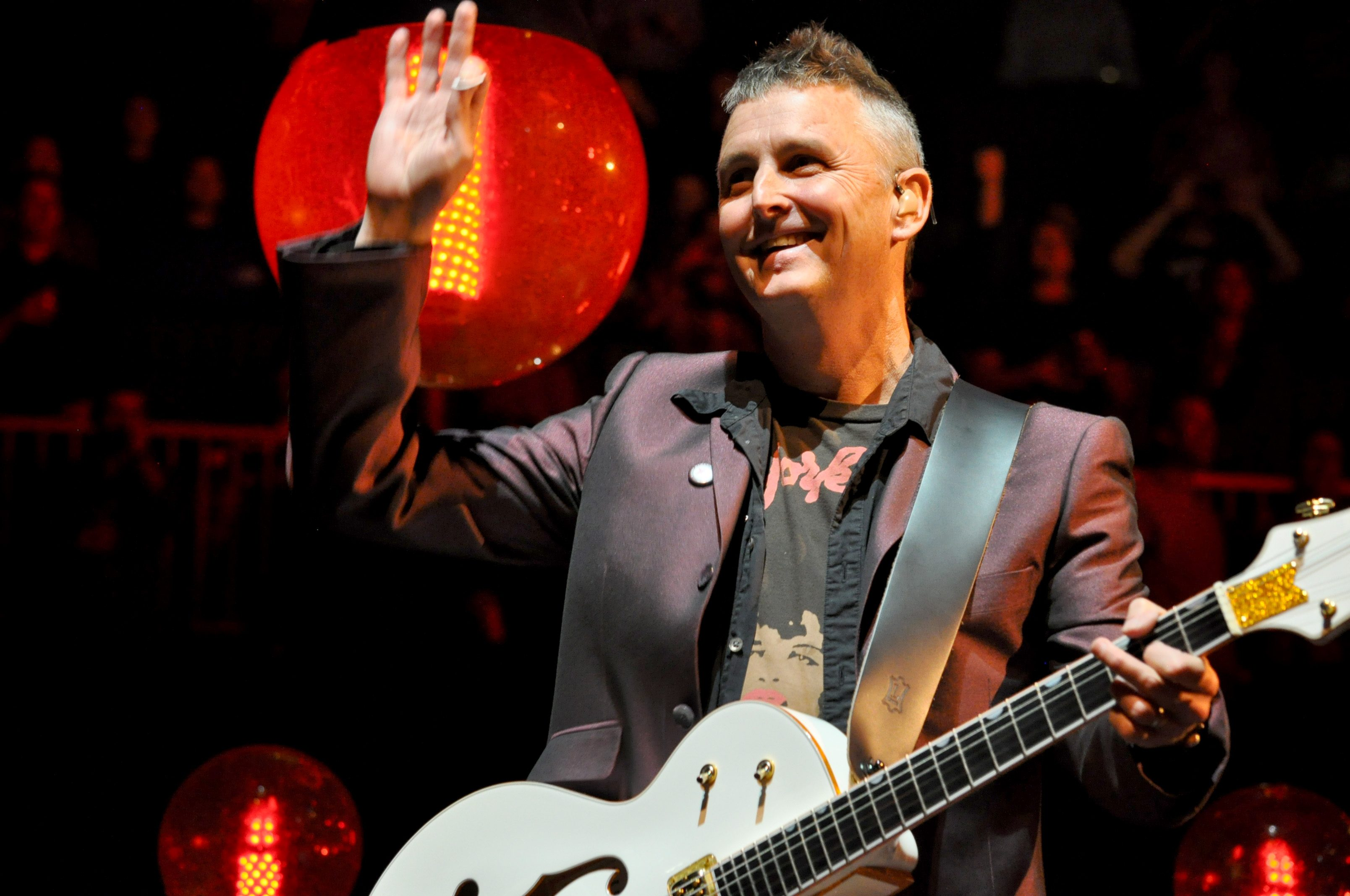 Mike McCready Joined Onstage By Members Of Foo Fighters, Guns N' Roses and the Red Hot Chili Peppers For Peak To Sky's Closing Performance
