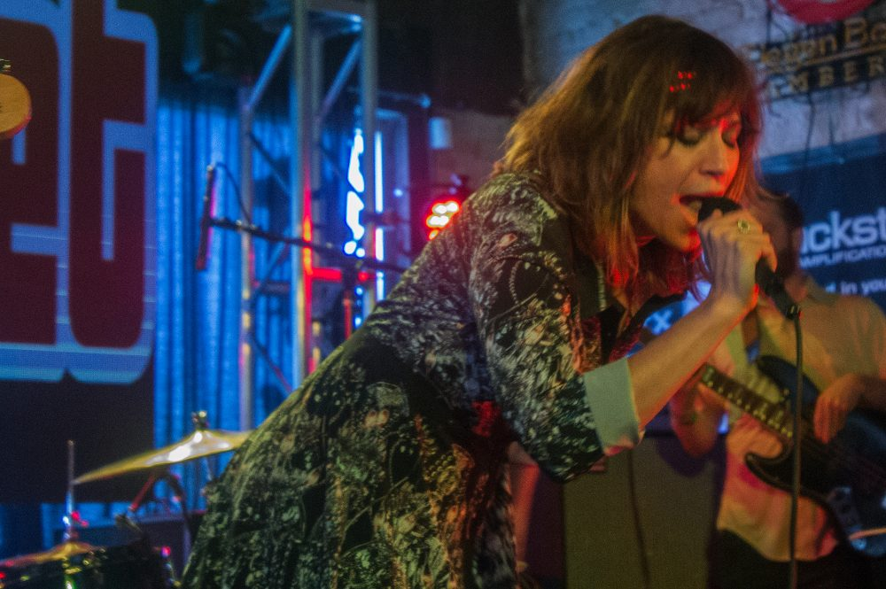 "Nicole Atkins and Mark Lanegan Shares Guns 'N Roses Cover of ""November Rain"""