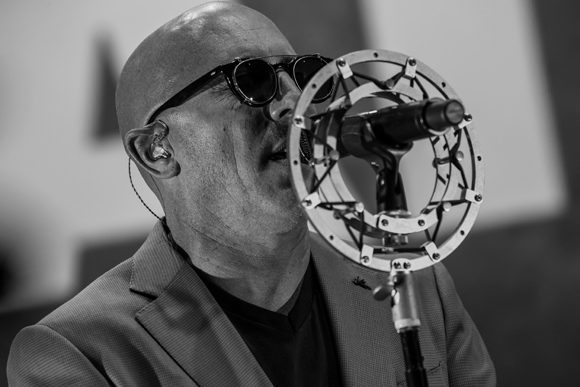 """Maynard James Keenan Says He's """"All Good"""" After Second COVID-19 Infection"""