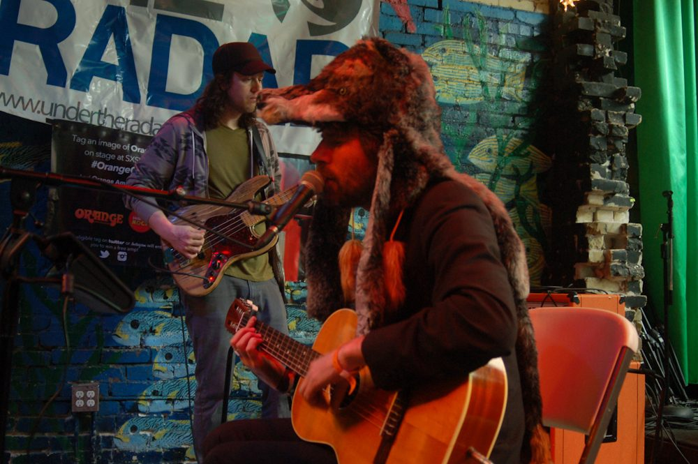 """Gruff Rhys Shares Video for New Psych-Pop Song """"Can't Carry On"""""""