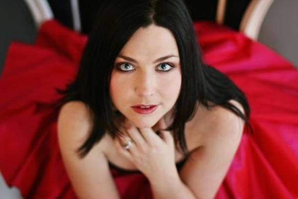 "LISTEN: Amy Lee Covers ""With Or Without You"" By U2 And ""It's A Fire"" By Portishead"