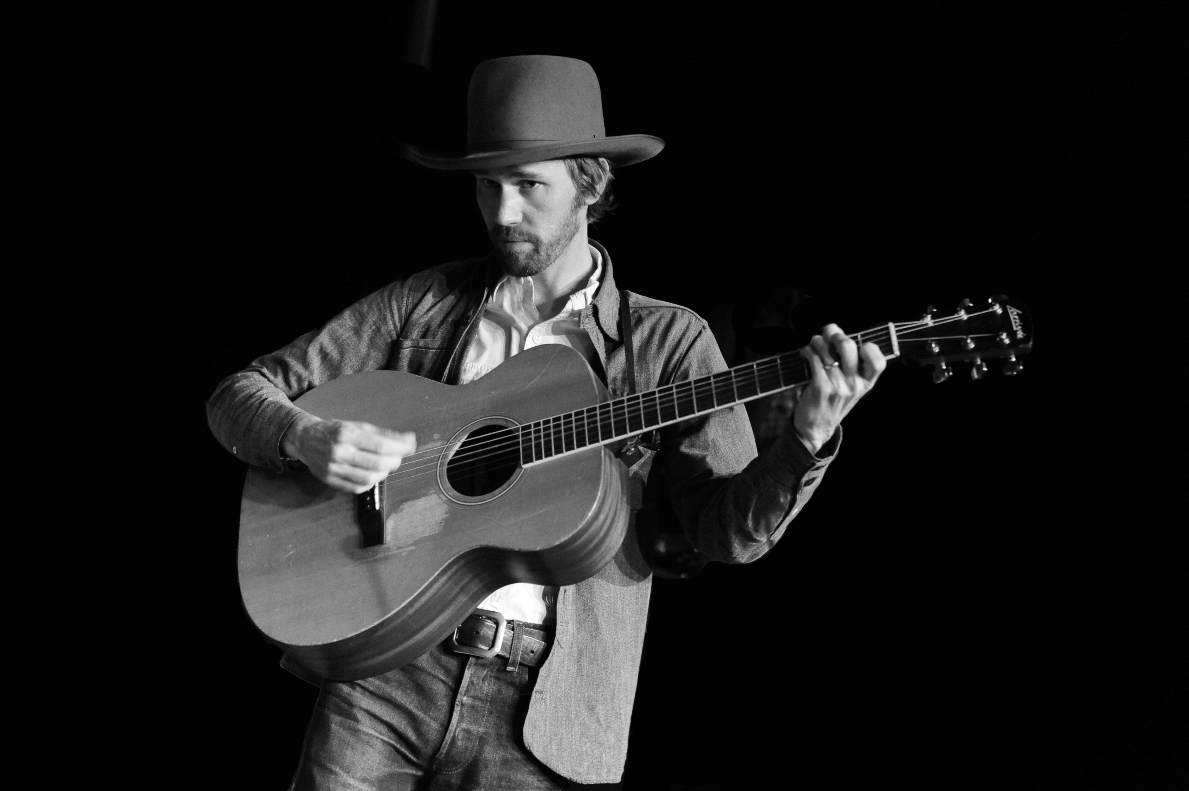 """Willie Watson Releases New Bluegrass Version of """"Gallows Pole"""""""