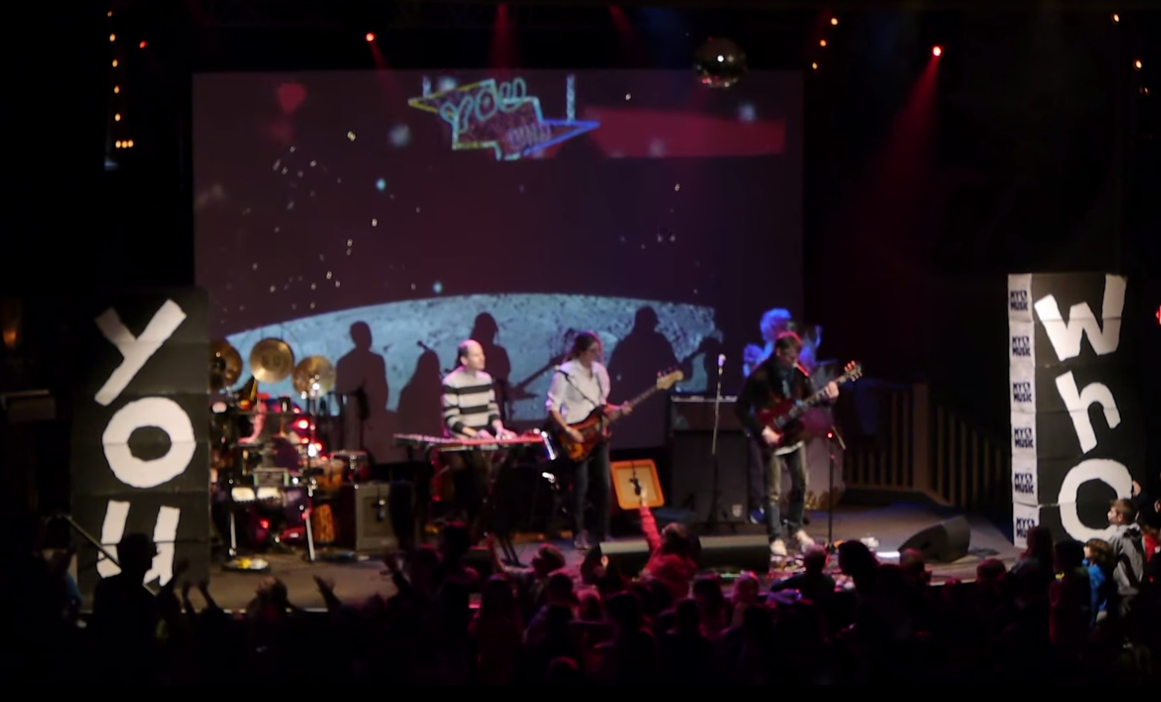 """WATCH: Stephen Malkmus and The Jicks Cover Taylor Swift's """"Blank Space"""""""