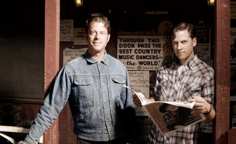 """LISTEN: Calexico Release New Song """"Falling From The Sky"""" Featuring Ben Bridwell"""