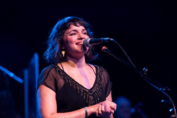 "Norah Jones and Jeff Tweedy Shares New Collaboration ""A Song With No Name"""