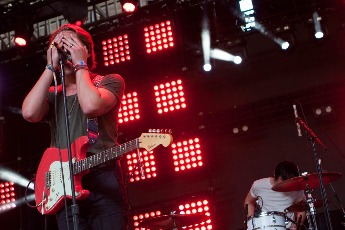 Bad Suns play peek-a-boo on the Gobi Stage.