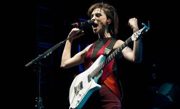 "St. Vincent Premieres Live Cover of Lou Reed's ""Perfect Day"""
