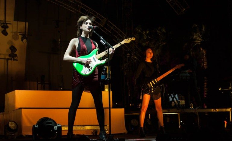 "St. Vincent Covers Red Hot Chili Peppers' ""Breaking The Girl"" at Malibu Love Sesh"
