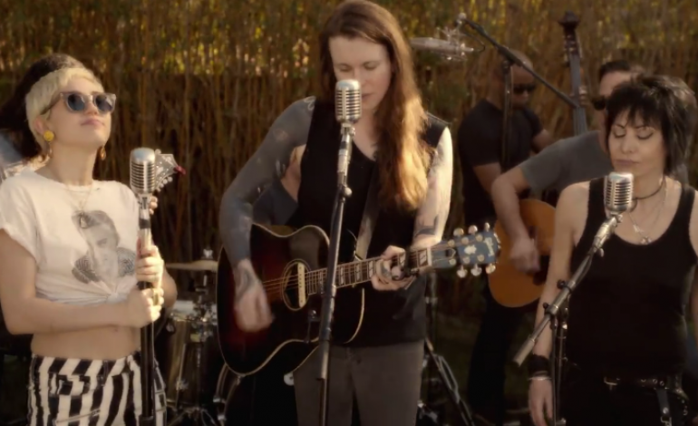 Watch Miley Cyrus Joan Jett And Laura Jane Grace Cover The