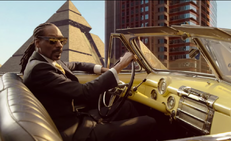 """WATCH: Snoop Dogg Releases New Video For """"California Roll"""" Featuring Stevie Wonder And Pharrell"""