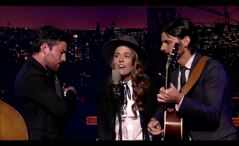 """WATCH: The Avett Brothers and Brandi Carlile Perform """"Keep On The Sunny Side"""""""