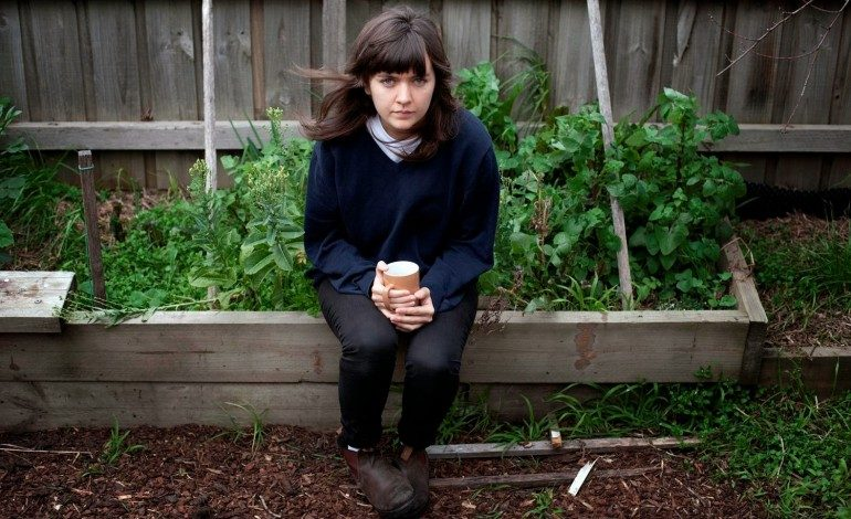 """WATCH: Courtney Barnett Covers The Breeders' """"Cannonball"""""""
