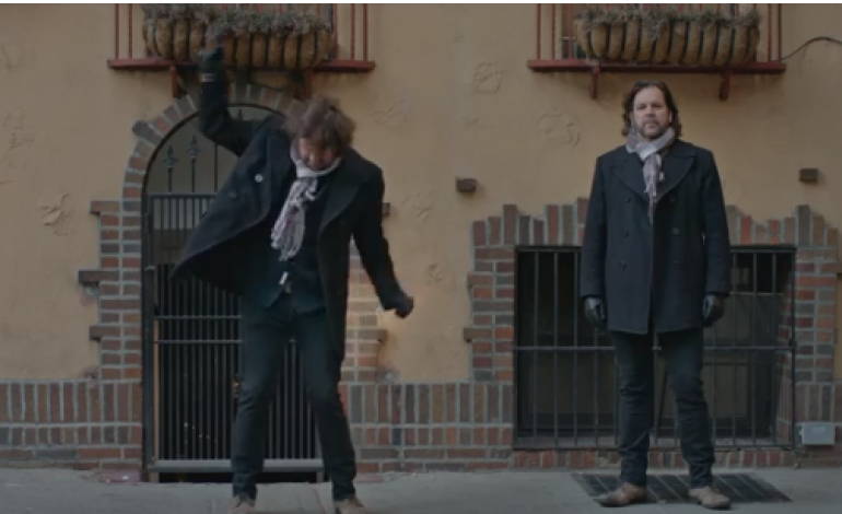 """WATCH: The Weepies Release New Video For """"Fancy Things"""""""