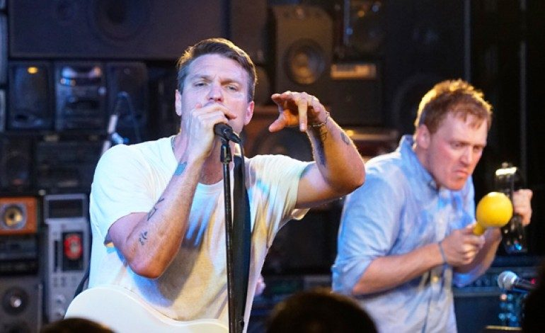 """Cold War Kids and Bishop Briggs Release Soulful Take on Rihanna's Hit """"Love On The Brain"""""""
