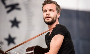 """The Tallest Man on Earth Shares """"In Little Fires"""" as Part of Video Series Featuring New Music and Demos"""