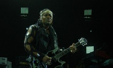D'Angelo Cancels Performances Due To Health Concerns