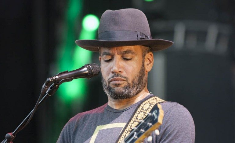 """Ben Harper and Rhiannon Giddens Team Up for Cover of """"Black Eyed Dog"""" by Nick Drake"""