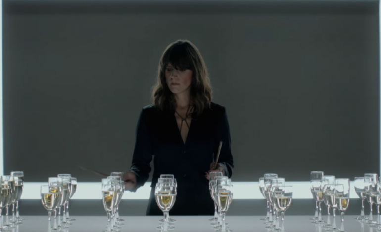 """WATCH: Eleanor Friedberger Plays """"Auld Lang Syne"""" On Wine Glasses For Segura Viudas Commercial"""