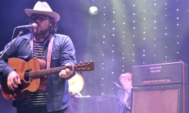 "Jeff Tweedy Shares New Music Video for ""I Know What It's Like"" and Announces US 2019 Tour Dates"