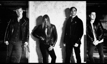 """WATCH: Iggy Pop And Josh Homme Perform """"Lust For Life"""" At Tour Warm Up Show"""