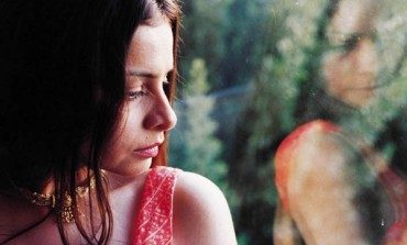 "Hope Sandoval & The Warm Inventions Release New Songs ""Isn't It True"" And ""She's in the Wall"""