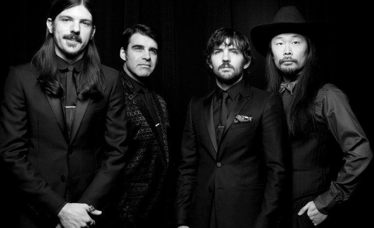 """LISTEN: The Avett Brothers Release New Song """"Ain't No Man"""""""
