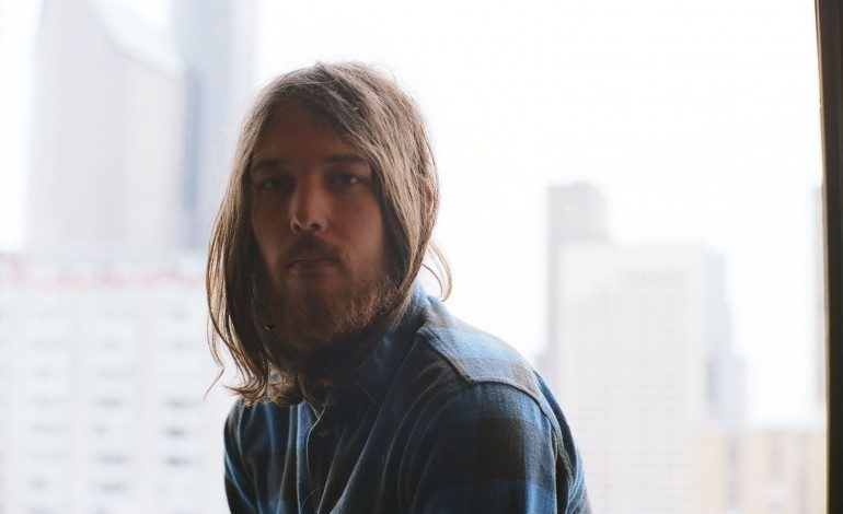 """LISTEN: Robin Pecknold Releases New Song """"Swimming"""""""