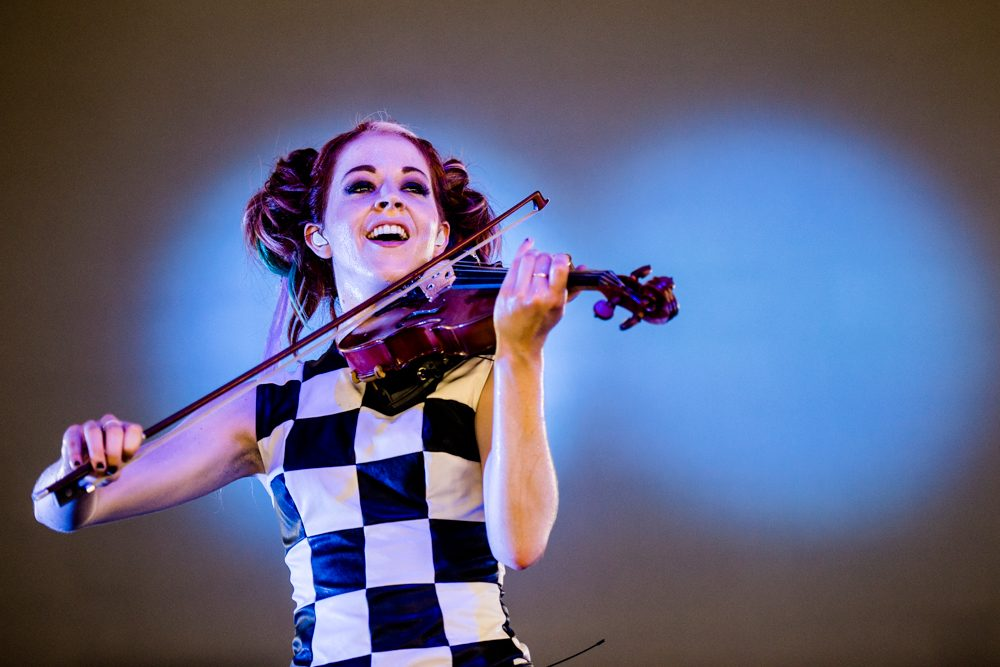 """Lindsey Stirling and Kiesza Give Life to Characters from Mobile Game Azur Lane in New Video for """"What You're Made Of"""" - mxdwn.com"""