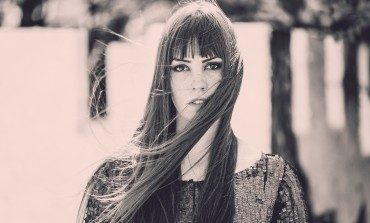 """Emma Ruth Rundle Releases New Song """"Marked For Death"""""""