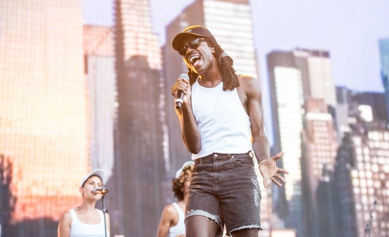"Blood Orange Releases Trippy New Video For ""Benzo"""