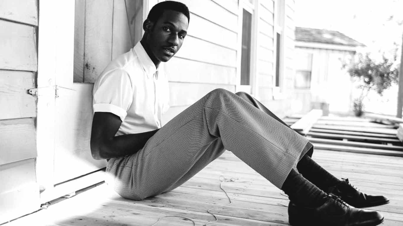 """Leon Bridges And Keite Young Share Soulful Cover Of Pastor T.L. Barrett's """"Like A Ship"""""""