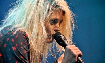 """Alison Mosshart Releases Stripped Down Black-and-White Video for Slow-Burning New Song """"It Ain't Water"""""""