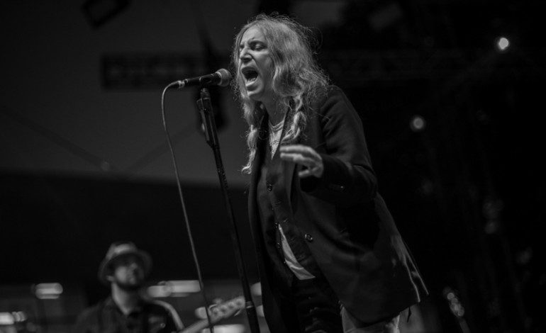 """Patti Smith Covers Neil Young's """"After the Gold Rush"""" on The Tonight Show"""
