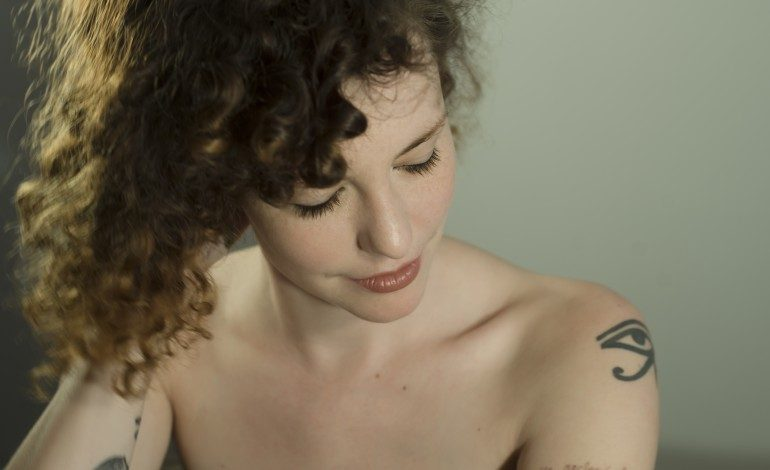 """Esmé Patterson Debuts Scenic Music Video for Single """"Light in Your Window"""""""