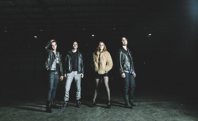 """Lzzy Hale of Halestorm Joins The Smashing Pumpkins on Stage for Cover of """"Stairway to Heaven"""""""