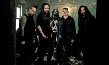 """Jonathan Davis of Korn Is """"Physically Weak and Having a Mental Battle"""" After COVID"""