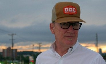 """Lambchop Announces New Album Showtunes for May 2021 Release and Shares New Song """"A Chef's Kiss"""""""