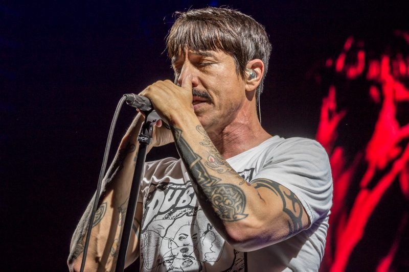 Red_Hot_Chili_Peppers_Staples_Center_MA_03082017_007