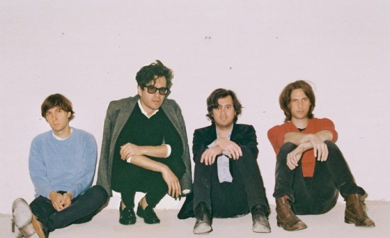 """Phoenix Premiere New Songs """"J-Boy,"""" """"Ti Amo"""" and """"Role Model"""" at First Live Set of 2017"""