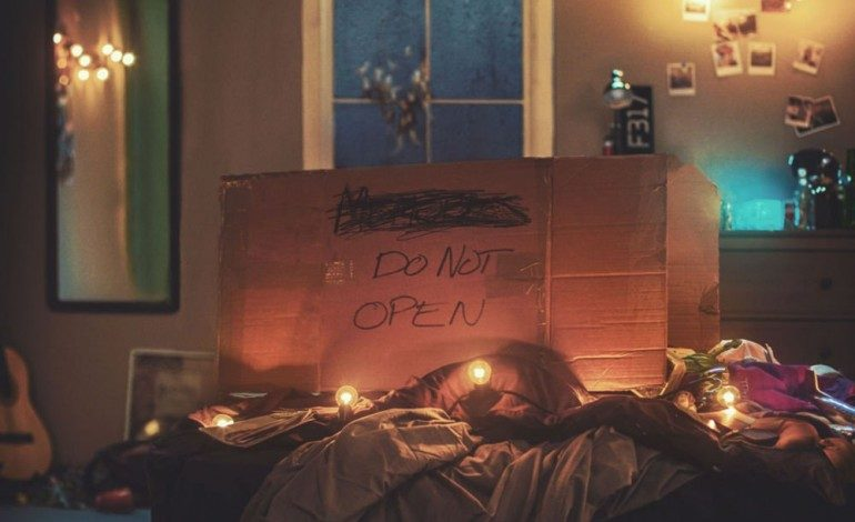 The Chainsmokers – Memories…Do Not Open