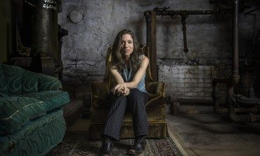 "Jusin Vernon Joins Ani Difranco to Release New Song ""Zizzing"""