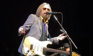 """Alternate Version Of Tom Petty's Wildflowers To Be Available On Streaming Services In April 2021, Shares """"New"""" Single """"You Saw Me Comin'"""""""